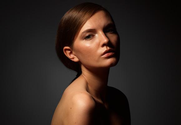 Студийный портрет жестким светом, свтовая схема