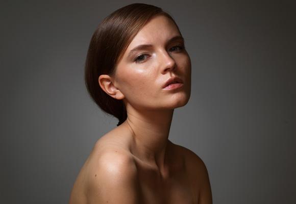 Студийный портрет модели, жесткий свет, схема, фотография, студия, урок